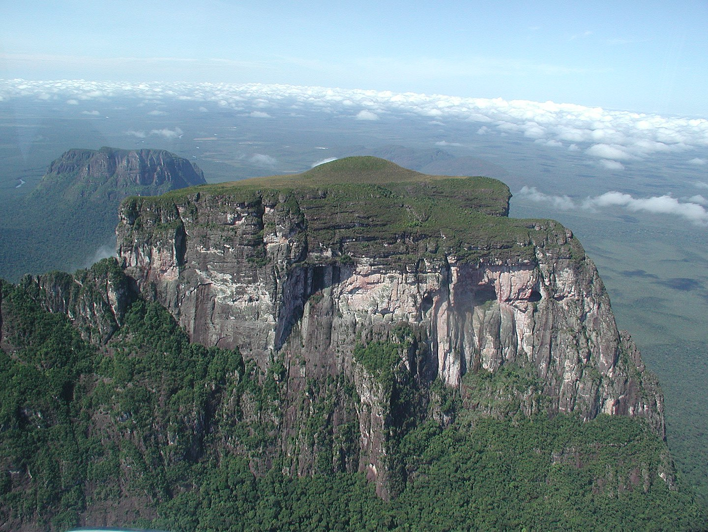 1440px CerroAutanaNorthExposure - Venezuela y sus riquezas naturales