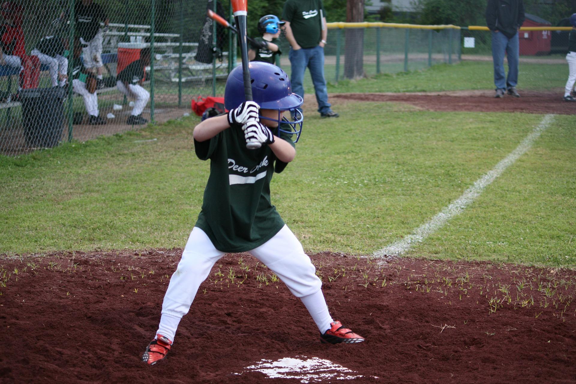 baseball 92382 1920 - El deporte como pilar de formación en la autoestima de los niños