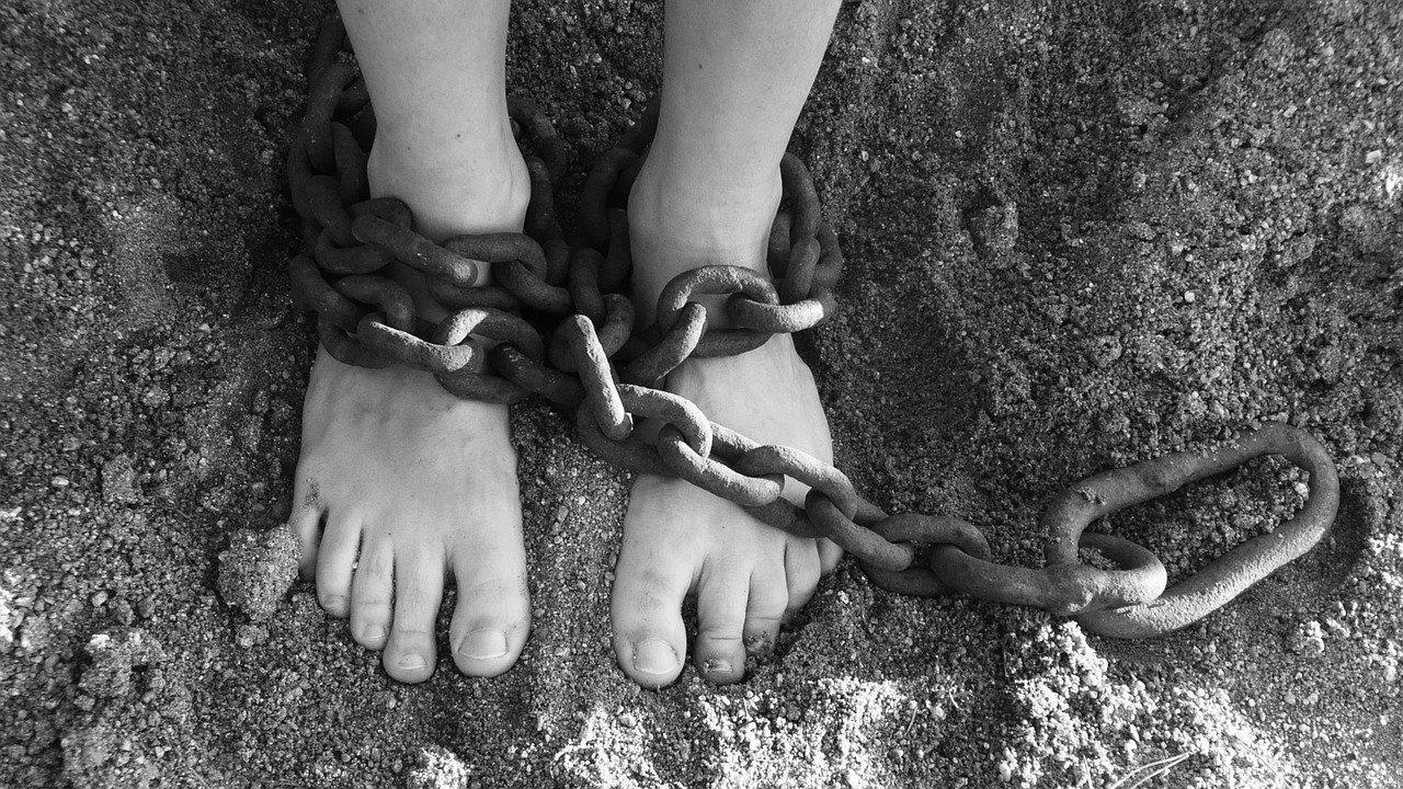 chains 19176 1280 - Día Mundial contra la Esclavitud Infantil
