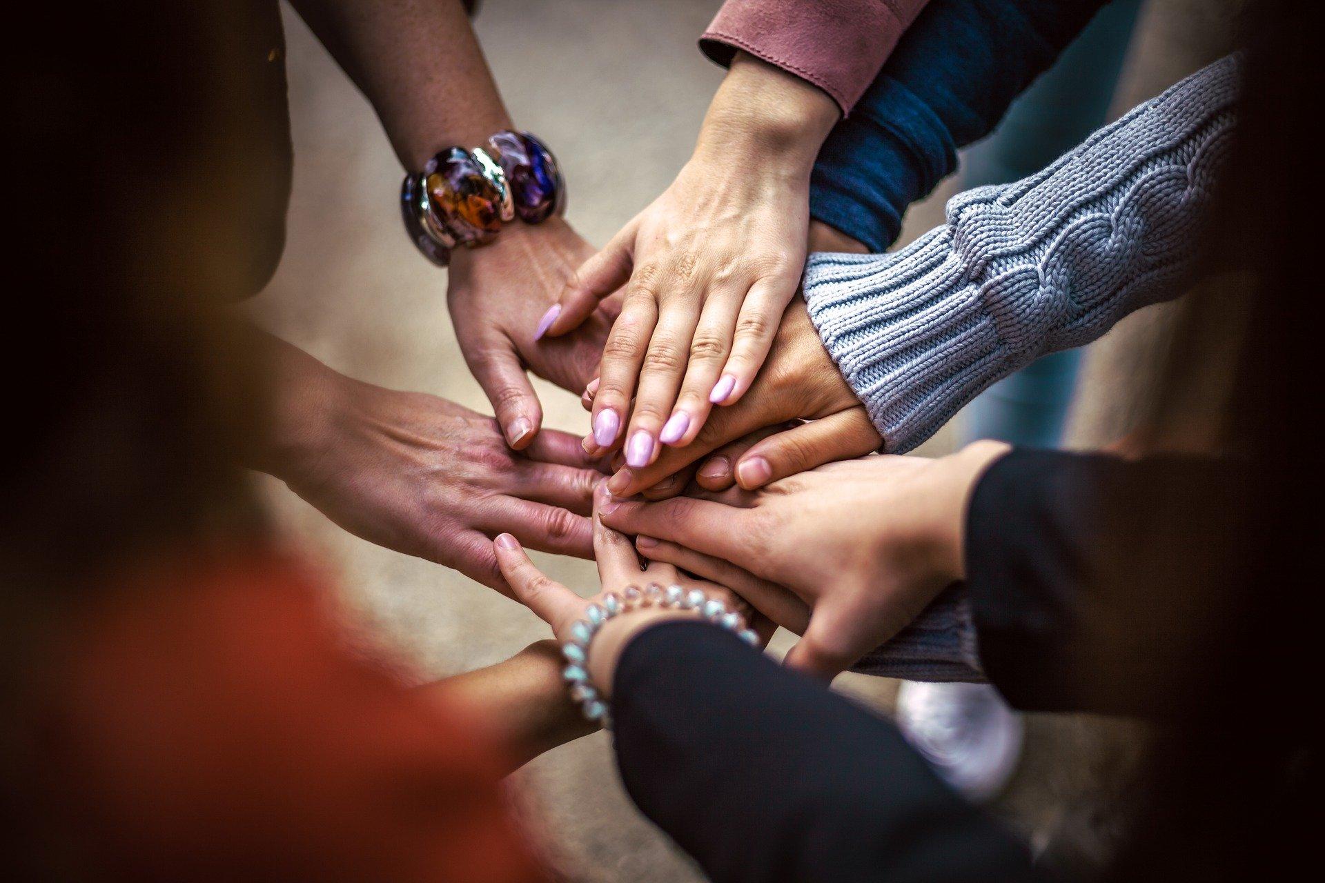 team 4529717 1920 - El voluntariado estrecha las amistades para toda la vida