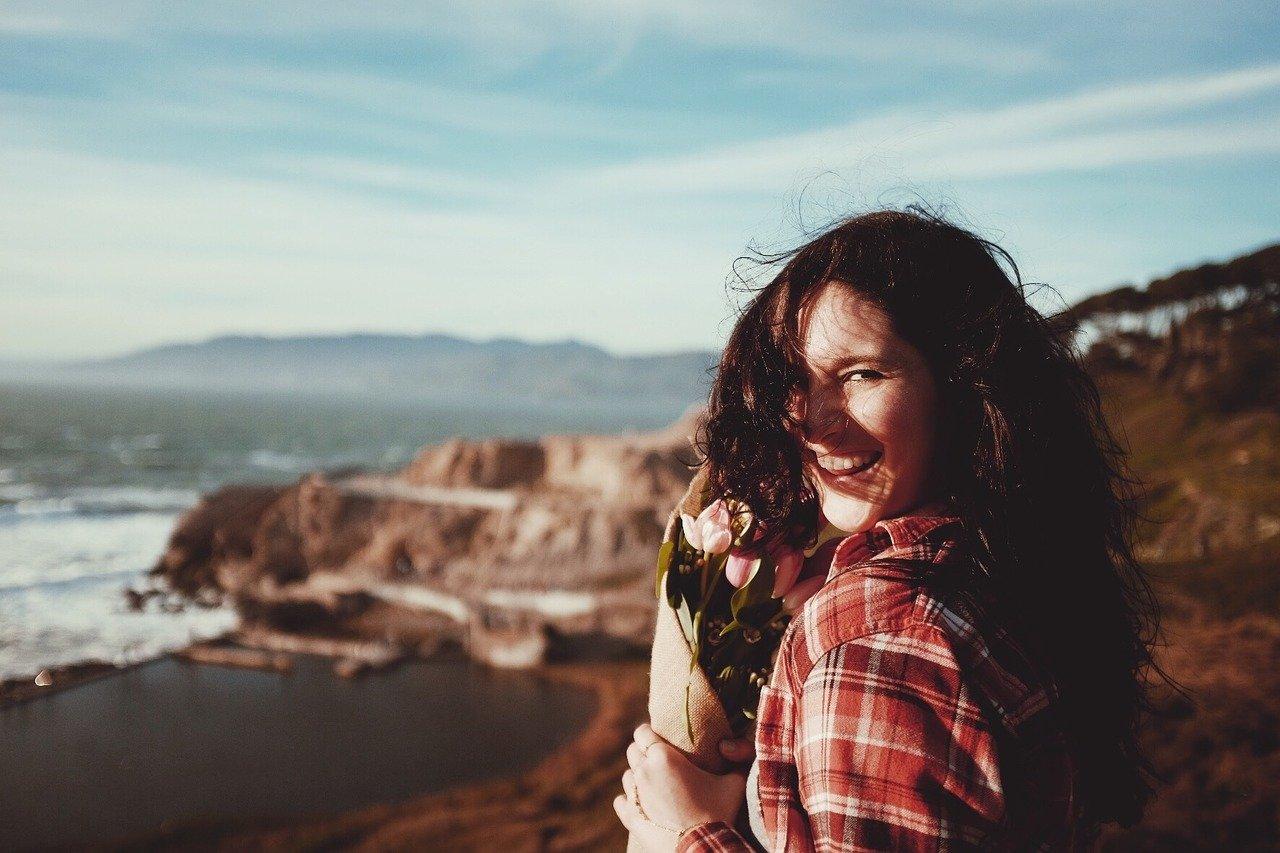 woman 1246844 1280 - 10 buenas acciones que pueden cambiar la vida a alguien