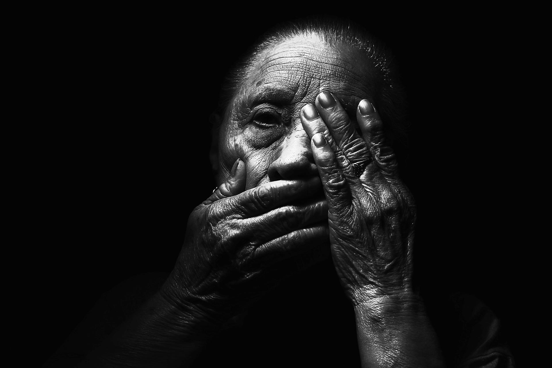 woman 1869556 1920 - 15 de Junio: Día Mundial de Toma de conciencia del abuso y maltrato a la vejez